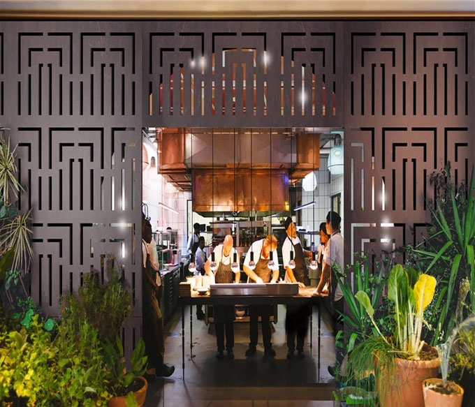 Decorative Luxury & modern design metal screen room divider